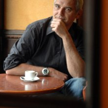 Il regista Laurent Cantet in un momento di relax sul set di Ritorno a L'Avana