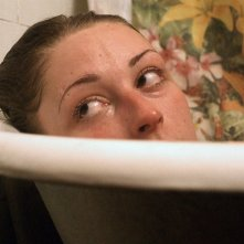 Heaven Knows What: Arielle Holmes in una scena del film