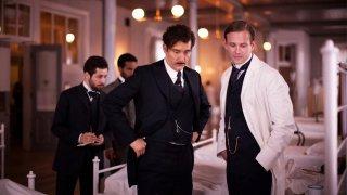 The Knick: Clive Owen e Michael Angarano nella prima stagione