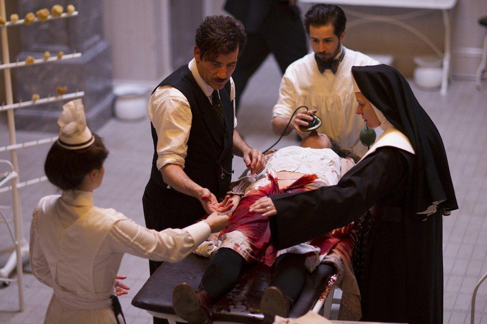 The Knick: Cara Seymour e Clive Owen nella prima stagione