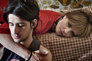 La vita oscena: Clement Metayer con Isabella Ferrari in una scena del film