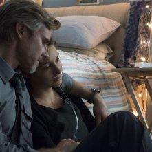 Colpa delle stelle: Sam Trammell insieme a Shailene Woodley in una tenera scena