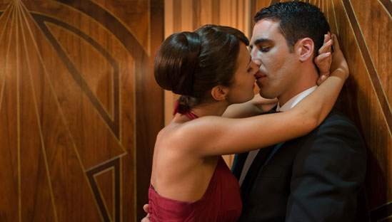 Velvet: un momento romantico tra i personaggi di Paula Echevarria e Miguel Ángel Silvestre