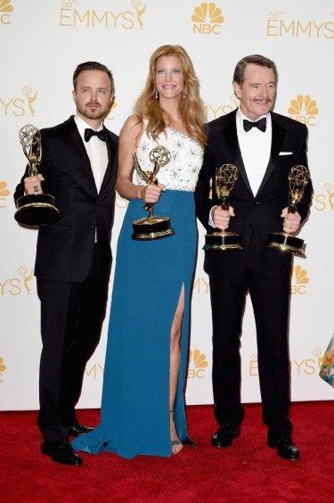 Emmy 2014: Bryan Cranston, Anna Gunn e Aaron Paul con le statuette vinte per Breaking Bad