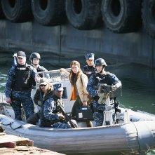 The Last Ship: una scena di gruppo nell'episodio No Place Like Home