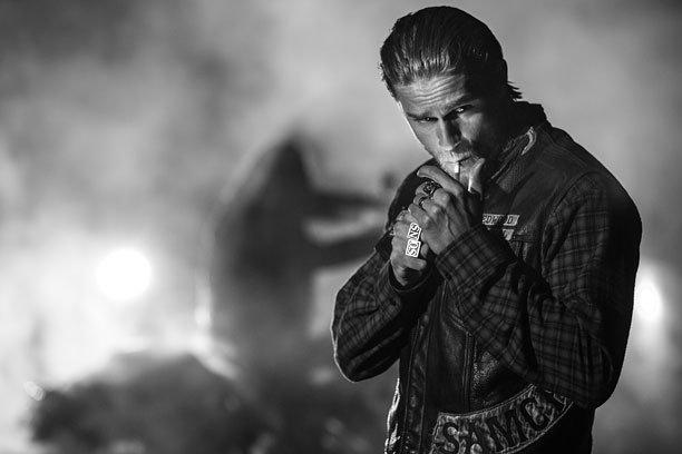 Sons of Anarchy: Charlie Hunnam in una foto promozionale per l'ultima stagione della serie