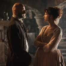 Outlander: Graham McTavish e Caitriona Balfe nell'episodio The Way Out