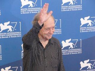 Frederick Wiseman al photocall di Venezia 2014, dove ha ricevuto il Leone d'oro alla carriera
