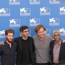 Venezia 2014: Andrew Garfield e Michael Shannon con il regista Ramin Bahrani ed il produttore Ashok Amritraj al photocall di 99 Homes
