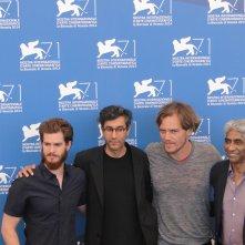 Venezia 2014: Andrew Garfield e Michael Shannon con Ramin Bahrani ed il produttore Ashok Amritraj al photocall di 99 Homes