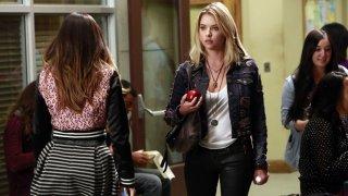 Pretty Little Liars: Ashley Benson nell'episodio March of Crimes