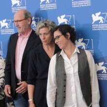 Olive Kitteridge: Frances McDormand con la regista Lisa Cholodenko, Jane Anderson e Richard Jenkins al photocall di Venezia 2014