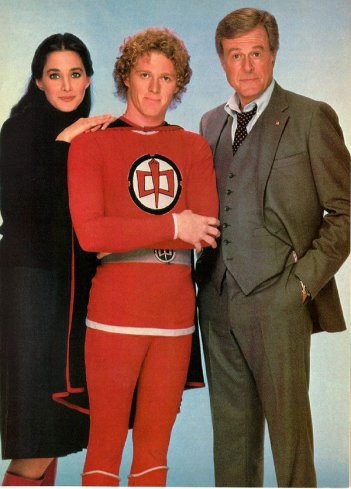 Ralph Supermaxieroe: William Katt, Connie Sellecca e Robert Culp in un'immagine promozionale