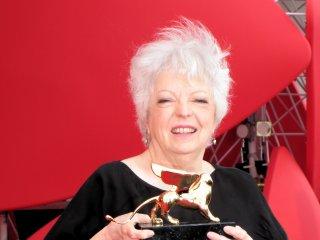 Thelma Schoonmaker con il Leone d'Oro alla carriera, Venezia 2014
