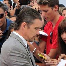 Mostra del Cinema di Venezia 2014 - Ethan Hawke arriva sul tappeto rosso di Cymbeline