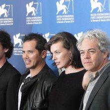 Milla Jovovich, Anton Yelchin, John Leguizamo e Michael Almereyda posano al photocall di Cymbeline a Venezia 2014