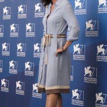 Una foto di Sabina Guzzanti al photocall de La trattativa a Venezia 2014