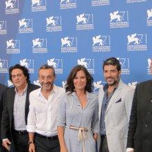 Sabina Guzzanti in compagnia del cast al photocall de La trattativa a Venezia 2014