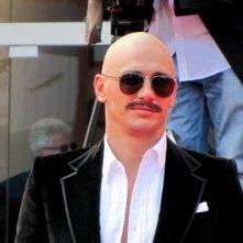 James Franco sul red carpet di Venezia 2014, con un look diverso