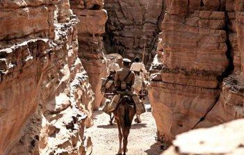 Theeb: una scena tra i canyon della Giordania