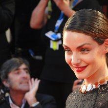 Il premio L'Oreal Valentina Corti sul tappeto rosso di Venezia 2014