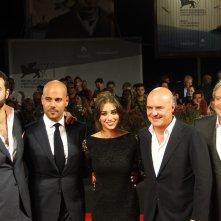 Luca Zingaretti con Marco D'Amore, Simona Tabasco, Gianpaolo Fabrizio ed il regista Edoardo De Angelis sul tappeto rosso di Venezia 2014 per Perez.