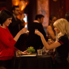 Garfunkel and Oates: Riki Lindhome con Kate Micucci nell'episodio Hair Swap