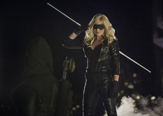 Arrow: Caity Lotz nell'episodio The Calm