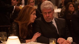 Hand of God: Ron Perlman in una scena del pilot