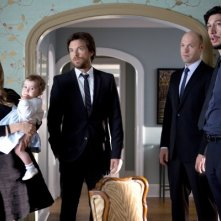 This Is Where I Leave You: Tina Fey, Jason Bateman, Adam Driver e Corey Stoll in una scena corale