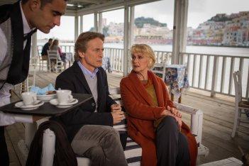 Un'altra vita: Cesare Bocci e Loretta Goggi in una scena della fiction