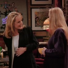 Friends: Helen Hunt e Lisa Kudrow nell'episodio