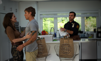 The Leftovers: una scena dell'episodio The Garveys at Their Best con Justin Theroux