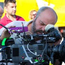 La nostra terra: il regista Giulio Manfredonia sul set del film