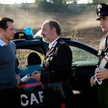La nostra terra: Stefano Accorsi con Paolo De Vita in una scena del film