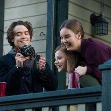 Resta anche domani: Chloe Moretz con Liana Liberato e Jamie Blackley in una scena