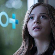 Resta anche domani: Chloe Moretz è Mia in una scena
