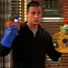 Friends:Freddie Prinze Jr. nell'episodio La tata maschio