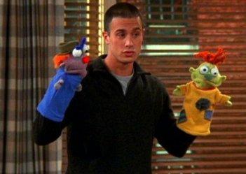 Friends:Freddie Prinze Jr. nell'episodio La tata maschio