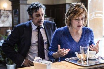 La buca: Sergio Castellitto insieme a Valeria Bruni Tedeschi in una scena del film