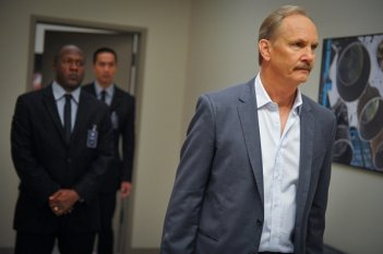 Extant: Michael O'Neil nell'episodio A New World
