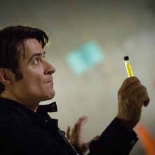 Extant: Goran Visnjic in una scena dell'episodio A New World