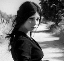 Stefania Sandrelli in Sedotta e abbandonata