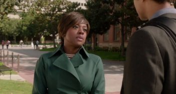 How to Get Away With Murder: Viola Davis in un momento della premiere