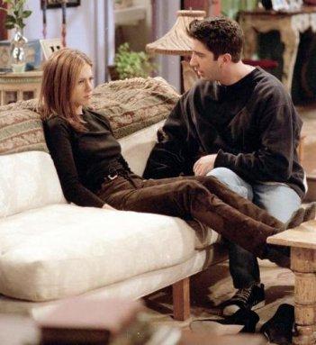 Friends: Jennifer Aniston e David Schwimmer nell'episodio Il giorno dopo