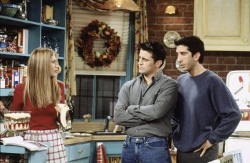 Friends: Jennifer Aniston, Matt LeBlanc e David Schwimmer nell'episodio Indovina chi viene a pranzo?