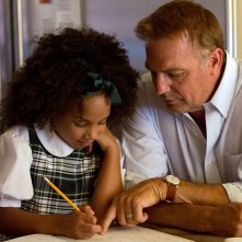 Jillian Estell con Kevin Costner in Black and White