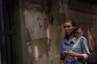 Trash: Rooney Mara in una scena del film