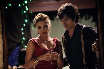 Fratelli Unici: Carolina Crescentini con Luca Argentero in una scena tratta dal film