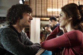 Fratelli Unici: Miriam Leone con Luca Argentero in una scena tratta dal film
